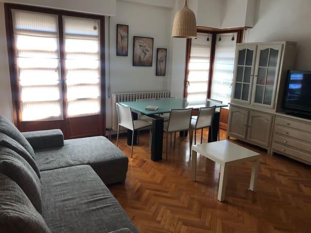 2 bedroom Flat for rent in Zaragoza city - € 700 (Ref: 6107802)
