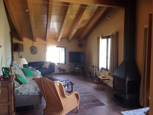 5 soveværelse Byhus til salg i Lascuarre - € 237.500 (Ref: 6111518)