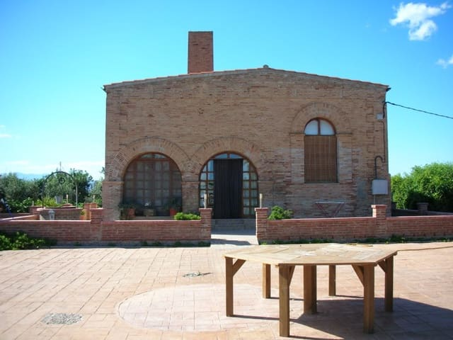 3 soveværelse Finca/Landehus til salg i Sant Carles de la Rapita med swimmingpool - € 420.000 (Ref: 6186941)
