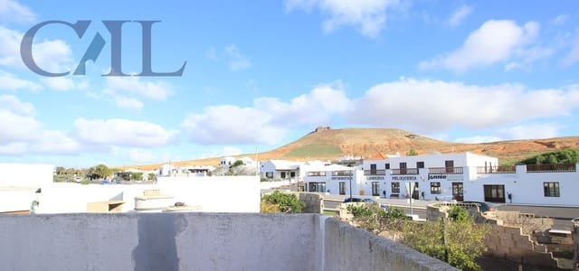 5 bedroom Finca/Country House for sale in Teguise - € 160,000 (Ref: 6115315)