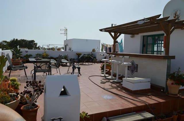 7 quarto Casa em Banda para venda em Puerto del Carmen com garagem - 359 000 € (Ref: 6134823)