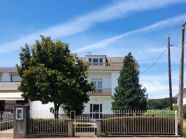 5 sovrum Villa till salu i Carracedelo med garage - 180 000 € (Ref: 6304314)