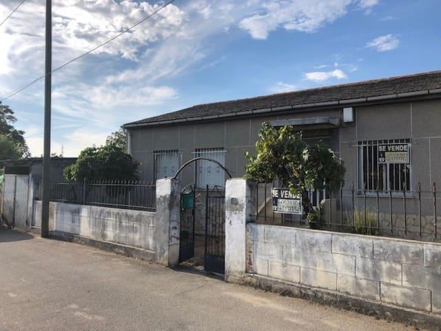 4 quarto Moradia para venda em Ponferrada - 61 000 € (Ref: 6304317)