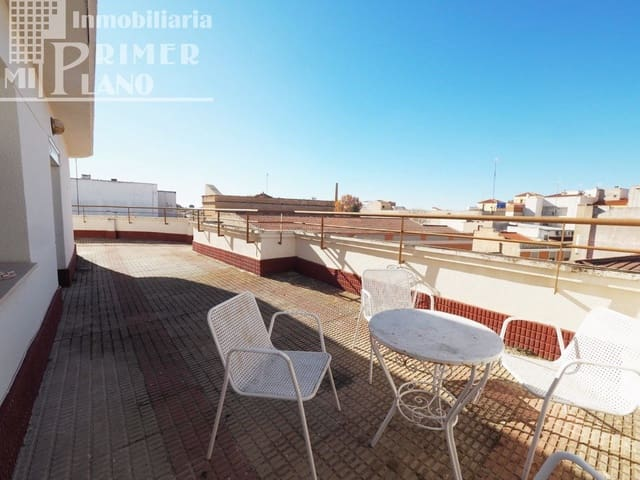 3 bedroom Penthouse for sale in Tomelloso with garage - € 99,000 (Ref: 6308911)