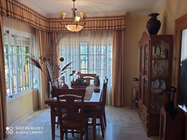 4 sypialnia Dom blizniak na sprzedaż w Miasto Malaga z basenem garażem - 340 000 € (Ref: 6280719)