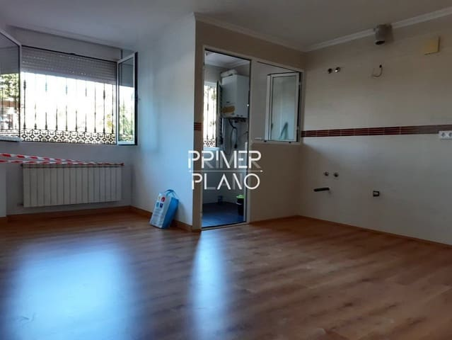 2 bedroom Flat for sale in Villarrobledo with garage - € 120,000 (Ref: 6294671)