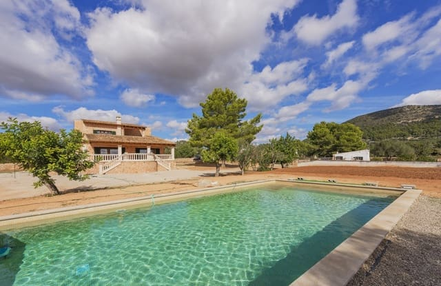 5 bedroom Finca/Country House for sale in Llucmajor with pool - € 990,000 (Ref: 5132187)