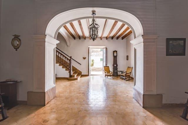 12 bedroom Townhouse for sale in Sant Joan - € 580,000 (Ref: 5174237)