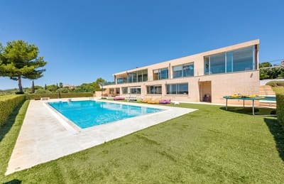 5 bedroom Villa for sale in Puntiro with pool - € 1,930,000 (Ref: 5460751)