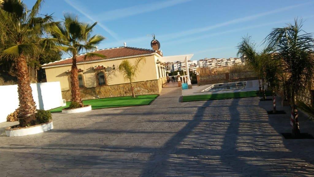 4 slaapkamer Bungalow te huur in Torrox met zwembad - € 1.300 (Ref: 4860442)
