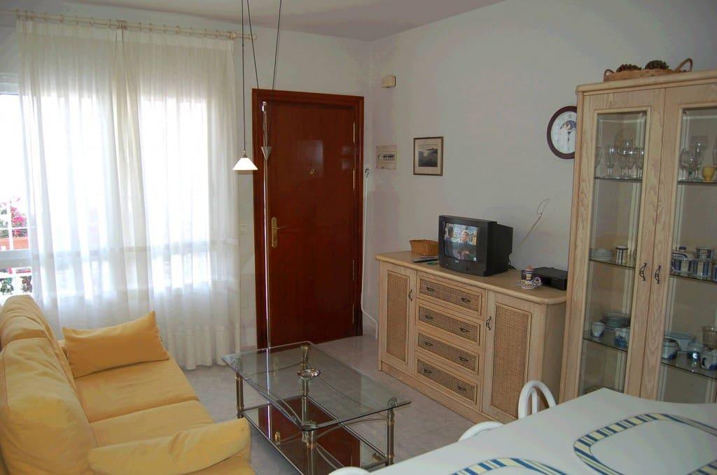 1 slaapkamer Appartement te huur in Torrox Park met zwembad - € 400 (Ref: 5031610)