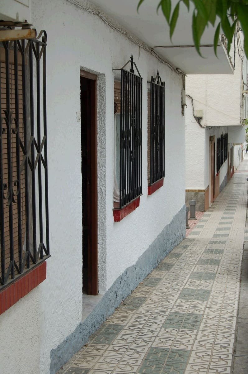 3 bedroom Apartment for sale in Nerja - € 126,000 (Ref: 5144386)