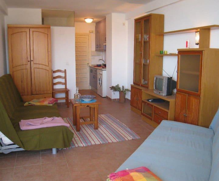 Studio te huur in Torrox-Costa - € 380 (Ref: 5310049)
