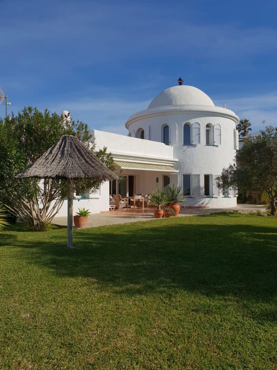 3 bedroom Villa for sale in Conil de la Frontera - € 765,000 (Ref: 6338227)