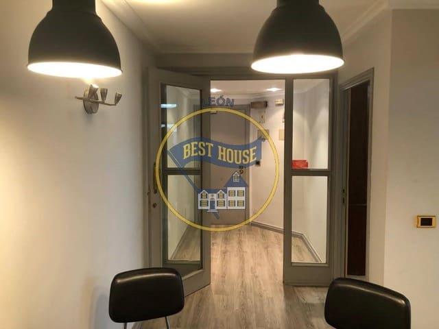 Biuro na sprzedaż w Miasto Leon - 105 000 € (Ref: 6346665)