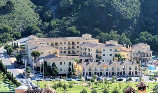 95 sypialnia Hotel na sprzedaż w Benahavis z basenem - 12 000 000 € (Ref: 6348721)