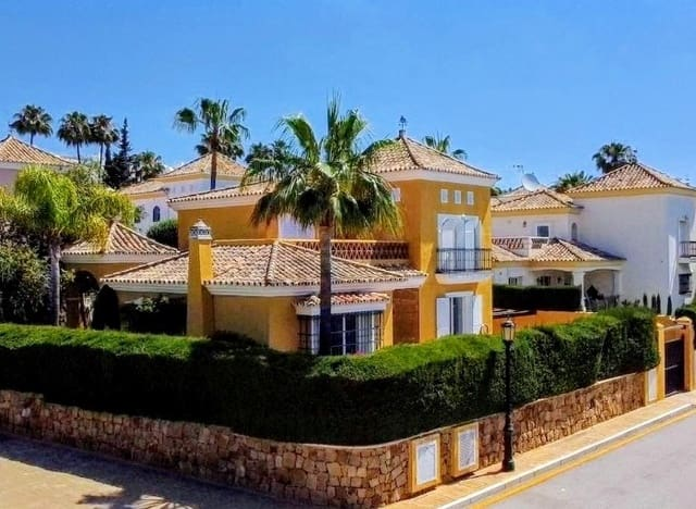 4 sypialnia Willa na sprzedaż w Bahia de Marbella - 1 055 000 € (Ref: 6355122)