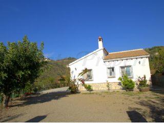 3 soverom Villa til leie i Canillas de Albaida med svømmebasseng - € 1 250 (Ref: 2439149)