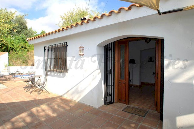 2 bedroom Villa for holiday rental in Competa with pool - € 399 (Ref: 2722806)