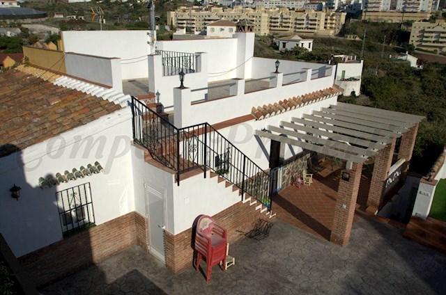 Finca/Casa Rural de 1 habitación en Torrox-Costa en alquiler vacacional con piscina - 300 € (Ref: 2756346)