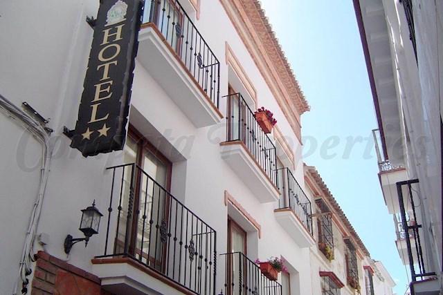 11 chambre Hôtel à vendre à Torrox - 825 000 € (Ref: 2788114)