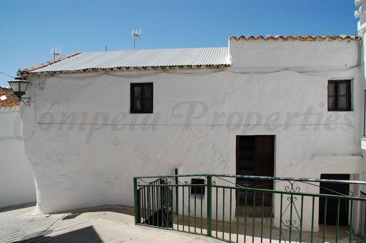 Casa de 3 habitaciones en Corumbela en venta - 36.000 € (Ref: 2799039)
