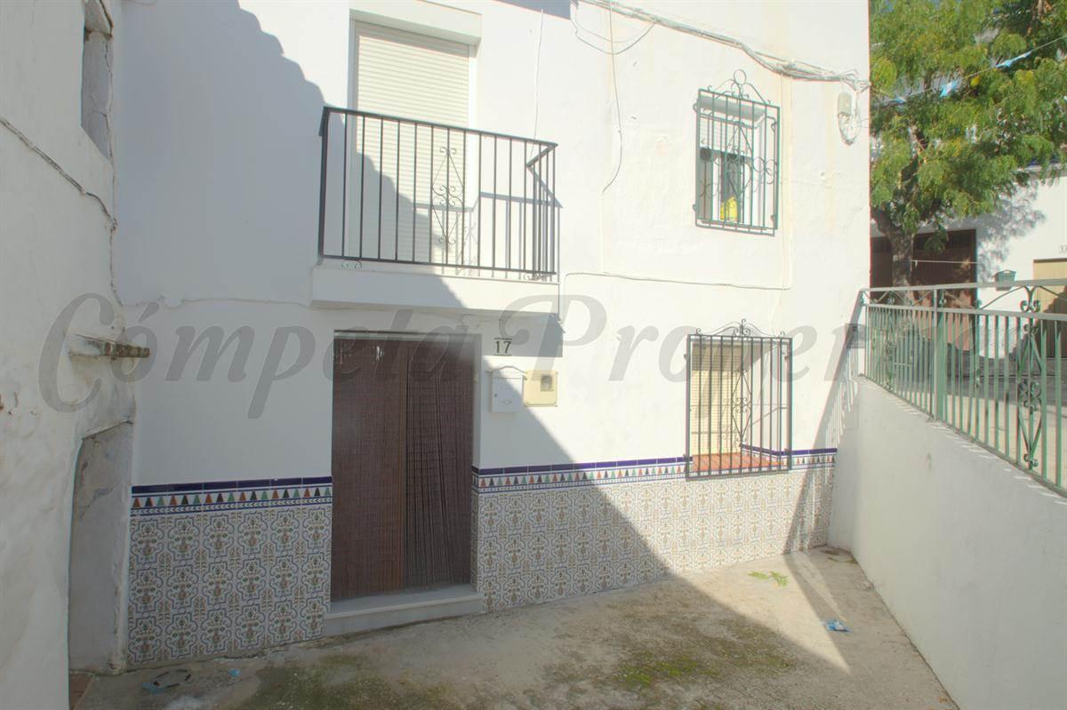 Casa de 3 habitaciones en Corumbela en venta - 56.000 € (Ref: 2804166)