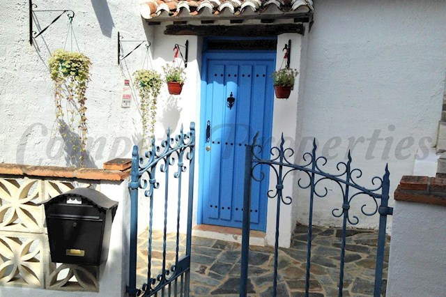 3 soverom Hus til salgs i Moclinejo med svømmebasseng - € 925 (Ref: 2828162)