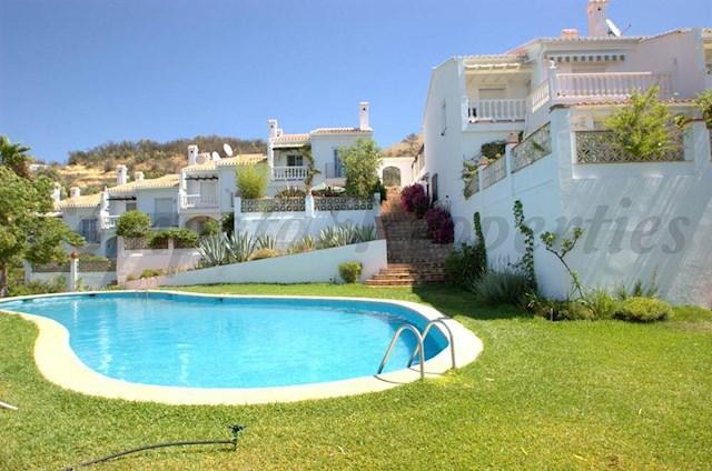 3 Zimmer Ferienhaus in Competa mit Pool - 420 € (Ref: 3051689)