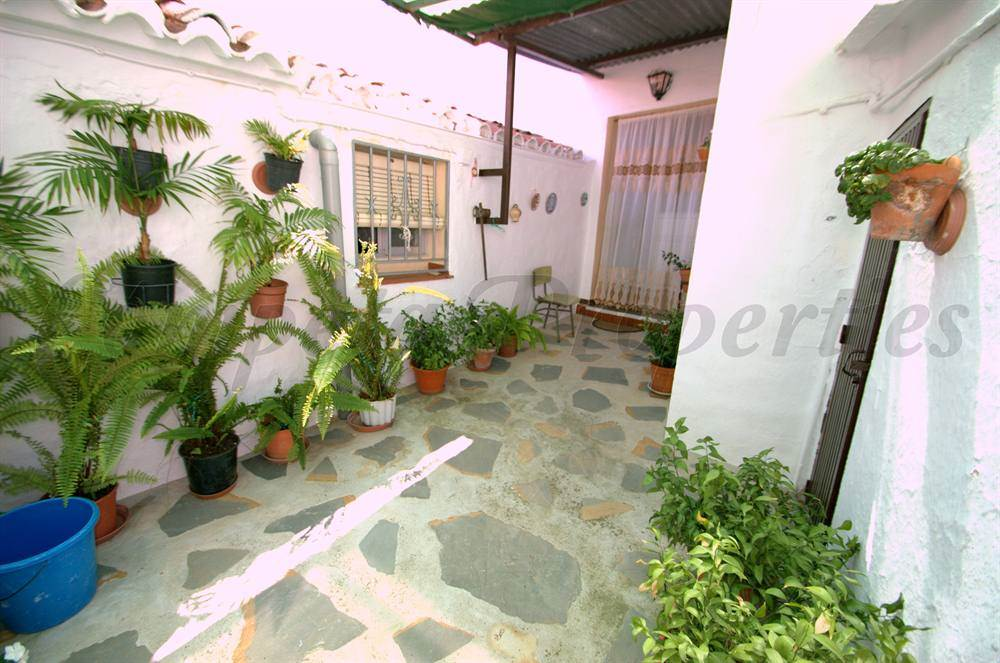 Casa de 5 habitaciones en Arenas en venta - 98.000 € (Ref: 3066369)