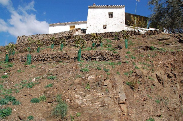 Ruin til salgs i Arenas - € 168 000 (Ref: 3779388)