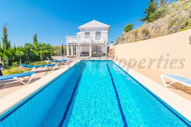 4 soverom Villa til salgs i Torrox-Costa med svømmebasseng - € 1 000 (Ref: 3987919)