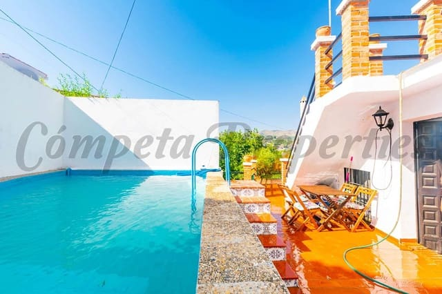 4 camera da letto Casa in vendita in Triana con piscina - 257.500 € (Rif: 4717001)