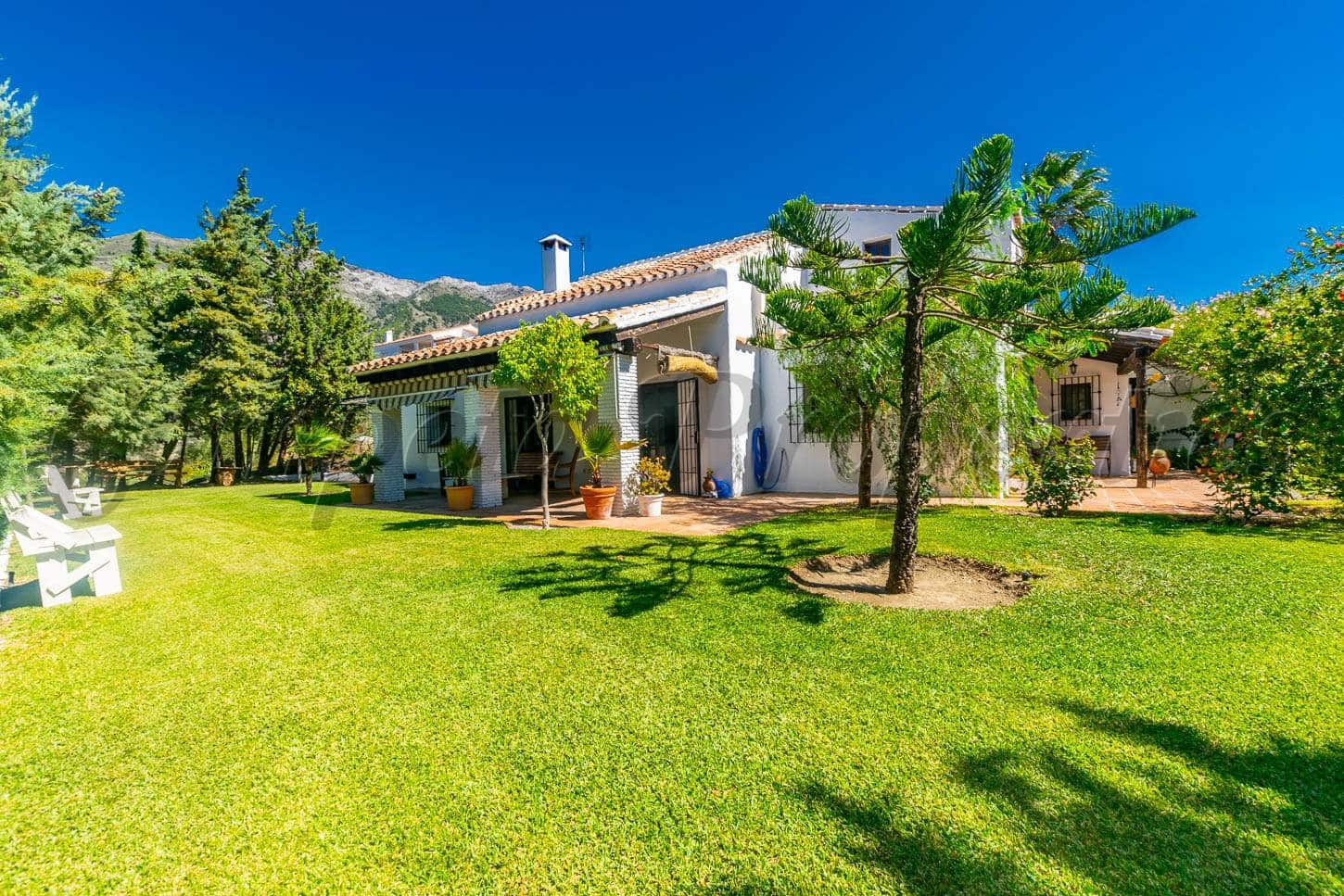 4 bedroom Finca/Country House for sale in Canillas de Aceituno with pool - € 695,000 (Ref: 4813591)