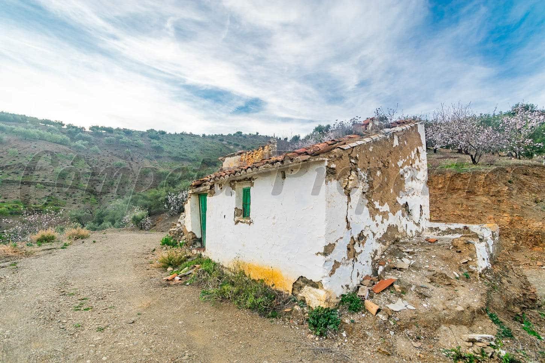 Ubebygd land til salgs i Archez - € 41 000 (Ref: 5057750)