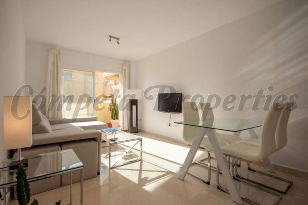 1 bedroom Apartment for sale in Nerja with pool garage - € 250,000 (Ref: 5058155)