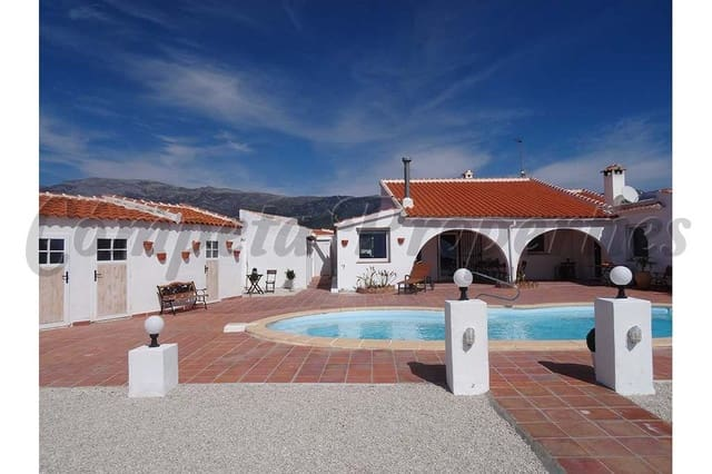 3 soverom Villa til leie i Corumbela med svømmebasseng - € 1 300 (Ref: 5132105)