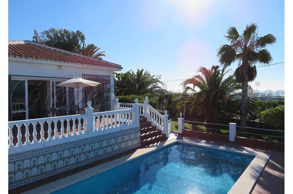 Pareado de 3 habitaciones en Torrox en alquiler vacacional con piscina - 750 € (Ref: 5324622)
