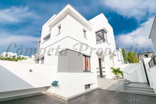 3 soverom Villa til salgs i Nerja med svømmebasseng garasje - € 470 000 (Ref: 5618786)