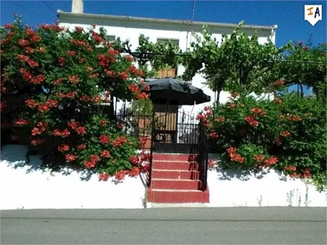 4 bedroom Finca/Country House for sale in Alcala la Real with pool - € 149,000 (Ref: 2514308)