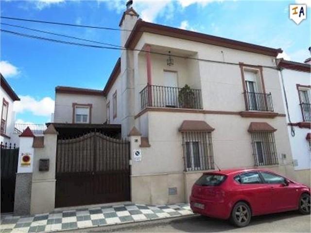5 soveværelse Byhus til salg i El Saucejo - € 252.950 (Ref: 2984064)