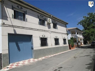 4 Zimmer Haus zu verkaufen in Charilla mit Pool - 220.000 € (Ref: 3562365)