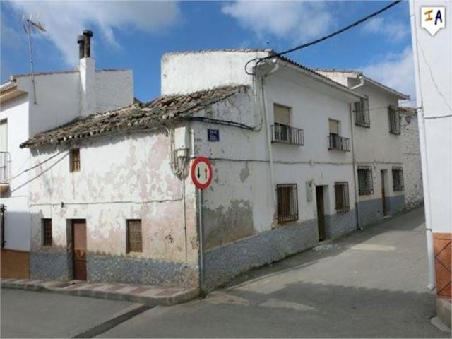 5 soverom Hus til salgs i Montillana - € 21 950 (Ref: 4009077)
