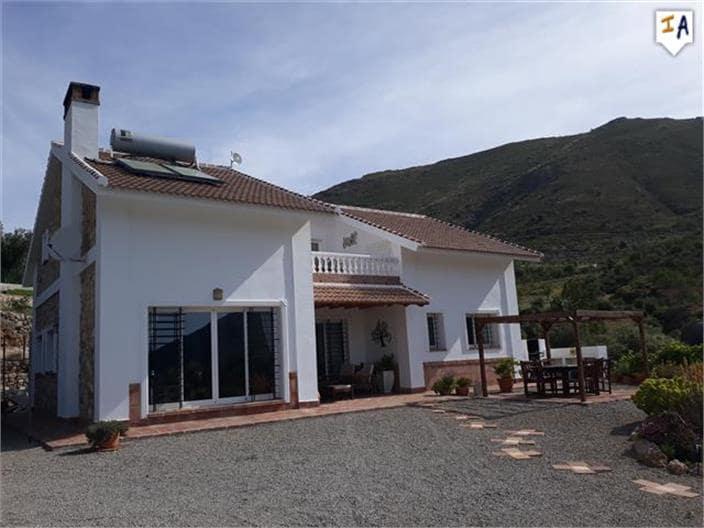 4 bedroom Villa for sale in Alcaucin with pool - € 390,000 (Ref: 4604437)
