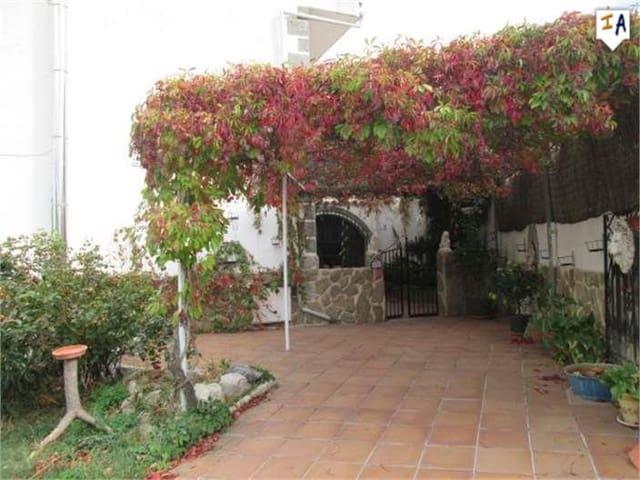 Chalet de 4 habitaciones en Valdepeñas de Jaén en venta con piscina - 129.000 € (Ref: 4824323)