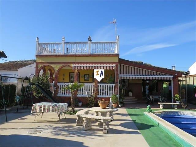 Chalet de 2 habitaciones en Mengíbar en venta con piscina - 145.000 € (Ref: 5874735)