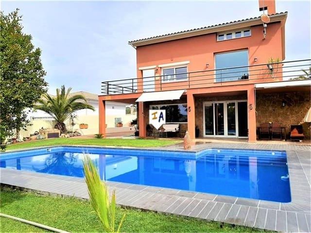 4 bedroom Villa for sale in Alcala la Real with pool - € 520,000 (Ref: 6053261)