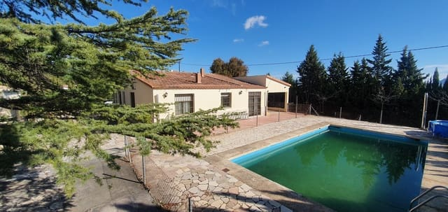 7 bedroom Finca/Country House for sale in Salinas with pool - € 195,000 (Ref: 5649786)