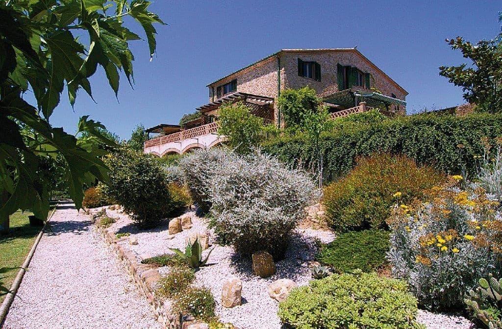 9 soveværelse Erhverv til salg i Navata med swimmingpool - € 1.290.000 (Ref: 5119306)