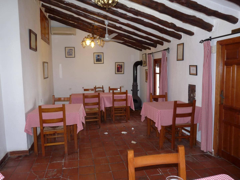 4 camera da letto Commerciale in vendita in Rugat con garage - 375.000 € (Rif: 5332147)